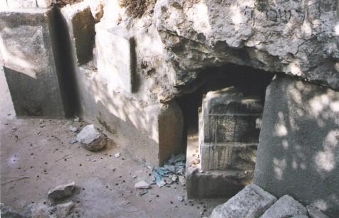 קבר ר' עובדיה מברטנורא בנחל קידרון, צילום: מיכאל יעקובסון